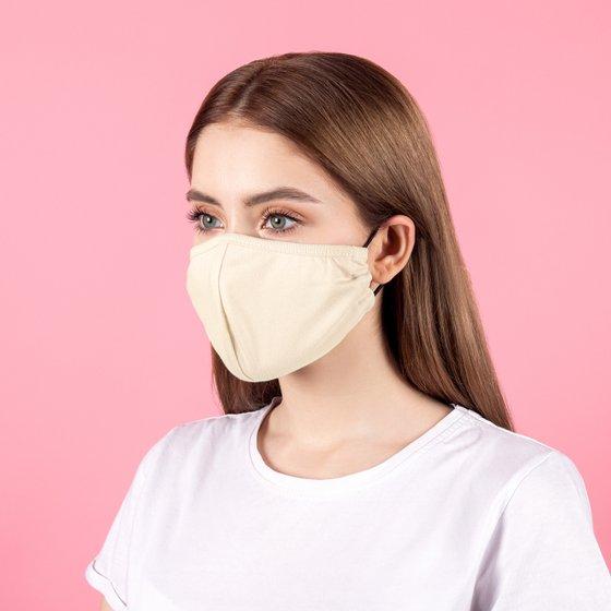 Защитная тканевая маска бежевого цвета