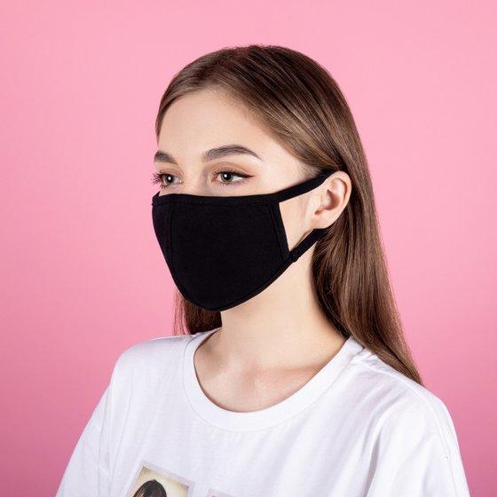 Защитная тканевая маска черного цвета